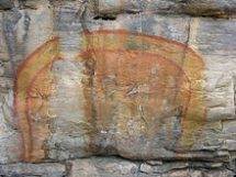 Rainbow Serpent painted on a cave wall. photocredit/thanks:hiveminer