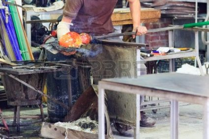 GLASS BLOWING ARTISANs/EXPERTs DOING THE WORK...