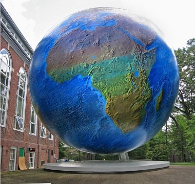 GIANT WORLDGLOBE.