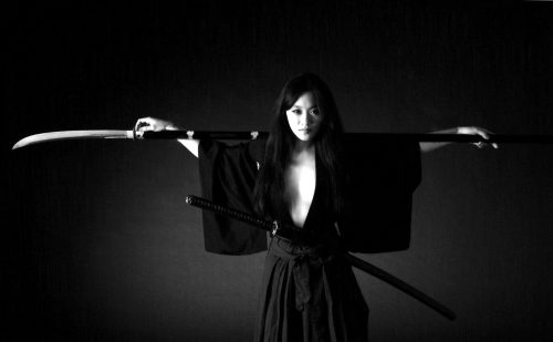 ANOTHER GREAT WAY... OF THE NAGINATA IT SEEMS. photocredit/thanks:pinterest