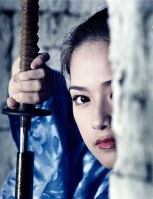 SWORD-DRAW KUNOICHI... CLICK QUICKLY TO SEE THE STEEL SHARP LEGEND OF THE JAP.SWORD... BASIC INTEL, TERMS, PICS AND TRAINING TIPS TOO INDEED.