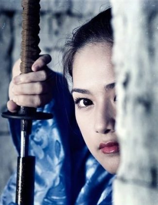 SWORD-DRAW KUNOICHI... SWISH INDEED. photocredit/thanks:alphacoderswallpaperhd ...SEEK AND SEARCH THE LEGENDS OF YORE... FOR OTHER WEAPONS OF INTEREST... SPEARED THAT POINT INDEED. HATTORI HANZO. HIS SPEAR. LEGENDS... BOTH... too.