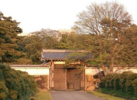THE IMPERIAL PALACE HANZOMON GATE.