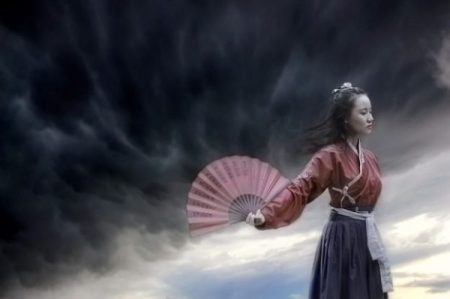 KUNOICHI OF THE STORM WAVE... A WAY WITH THE FAN INDEED.