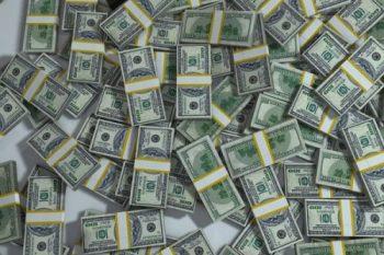 "79 BILLIONS WORTH OF "" RARE "" DIAMOND JEWELLERY SOLD IN 2015."