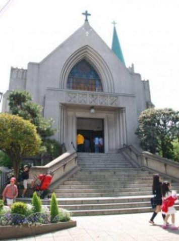 ANOTHER YOKOHAMA SITE TO SEE IS THE CATHEDRAL OF THE SACRED HEART. photocredit/thanks:wikipedia