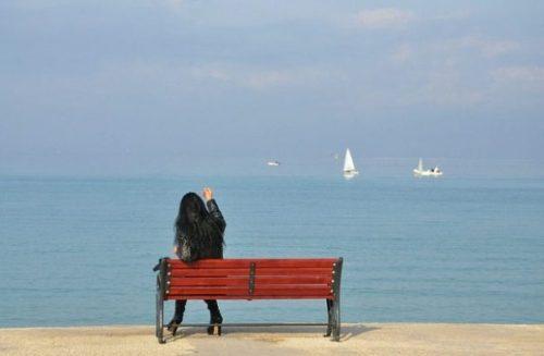 LOTS TO SEE... AT THE SEA. THE PORT. YOKOHAMA.